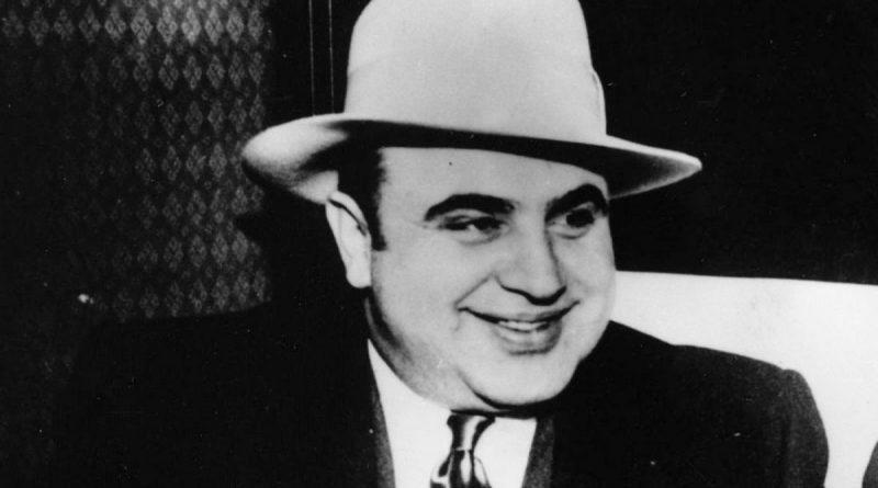 La vera storia di Al Capone, condannato per evasione fiscale.