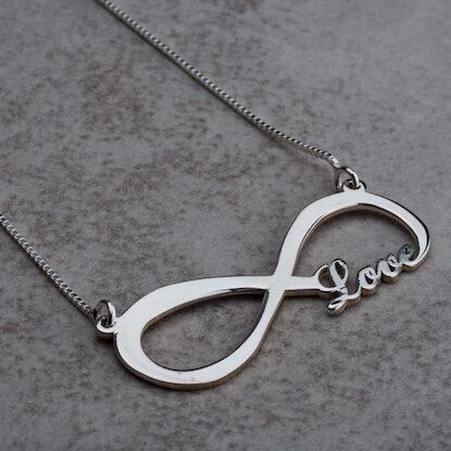 Cosa significa il simbolo dell'infinito? Da dove trae le sue origini?