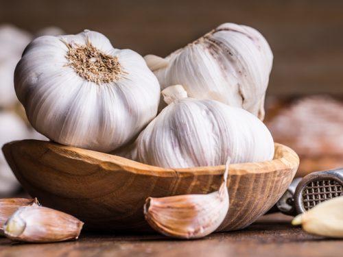 Mangiare aglio fa bene?